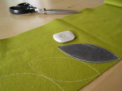 Cutting Leaves for a leaf cushion