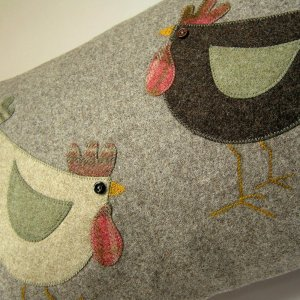 Cluck and Pecker detail