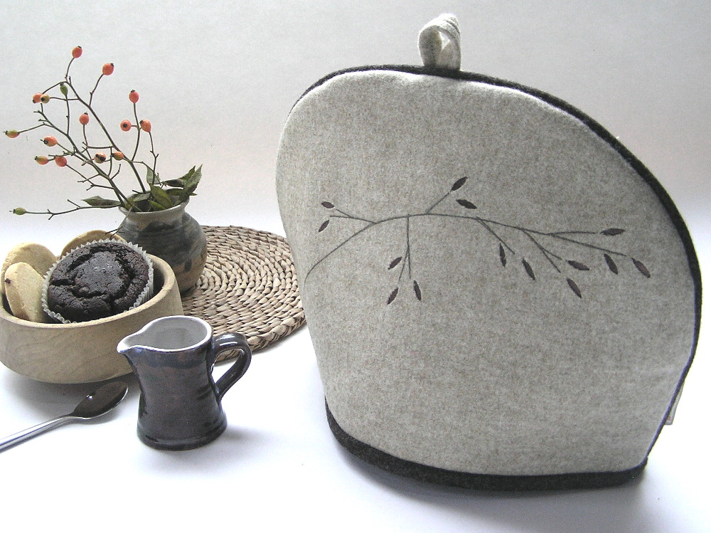 Grass tea cosy